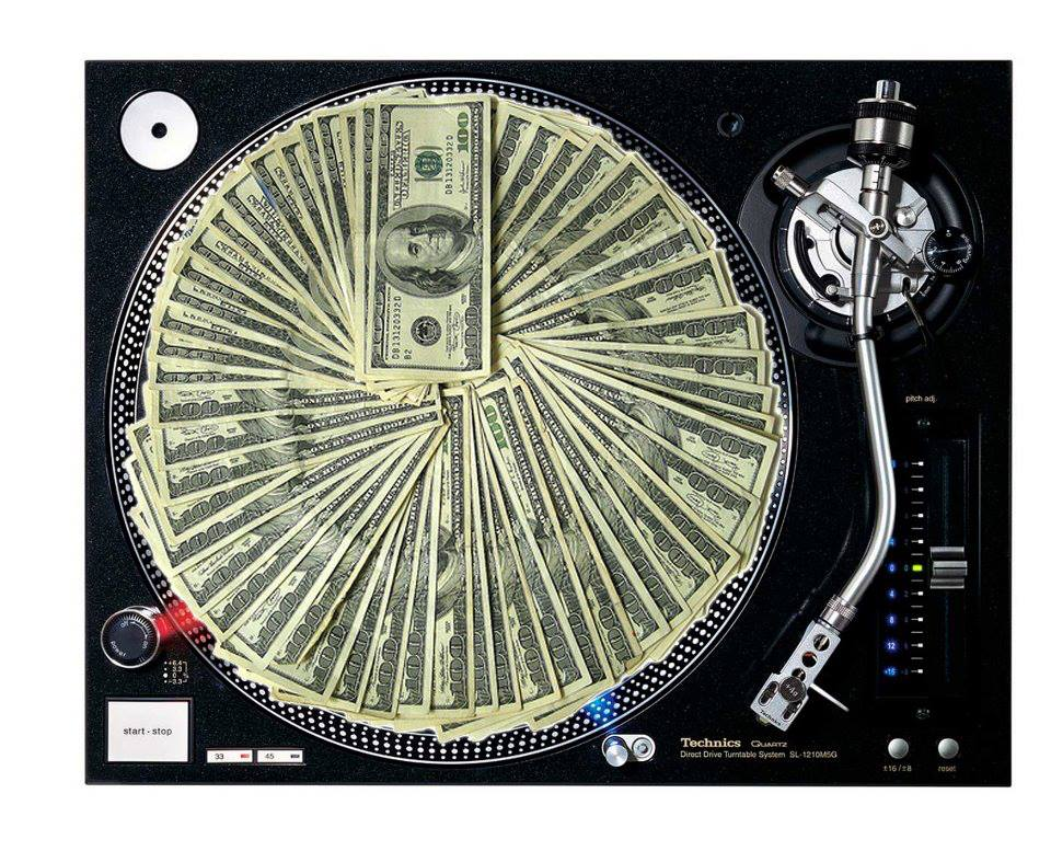 5 razones por las cuales un DJ nunca jamás debe pinchar gratis