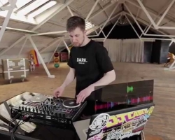 Demo DJ Cable vs. Reloop Terminal Mix 8 con Serato DJ