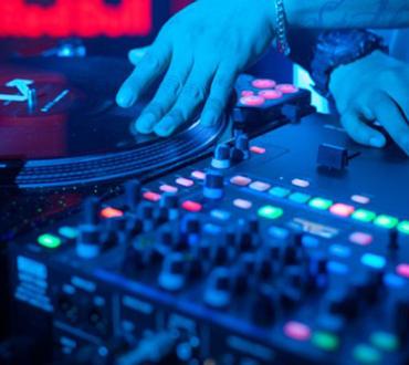 Rutina DJ Trayze en el Red Bull Thre3Style 2014