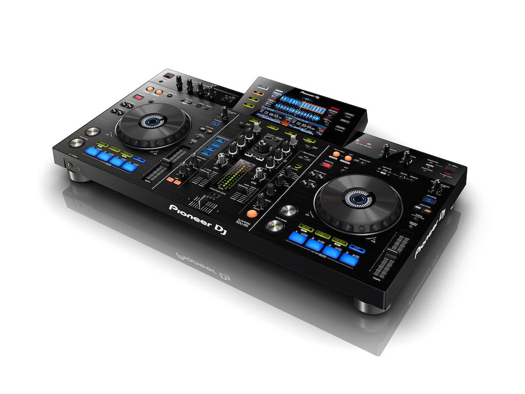 ¿Por qué el Pioneer XDJ-RX es uno de los controladores más vendidos de Pioneer DJ?