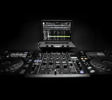 Disponible djay Pro 1.1 con mezcla de video, soporte para Pioneer CDJ/XDJ y streaming en Spotify a 320kb/s