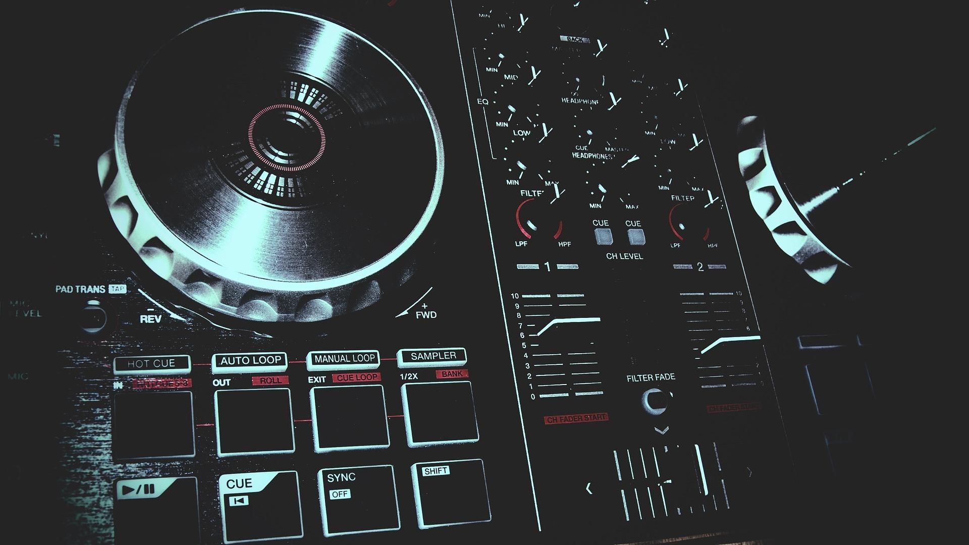 ¿Qué tipo de controlador le falta a Pioneer DJ?